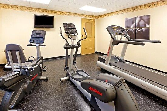 Country Inn & Suites by Radisson, Harrisburg Northeast (Hershey), PA: Health club