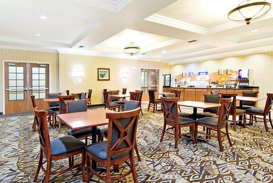 Holiday Inn Express Hotel & Suites Klamath Falls: Restaurant