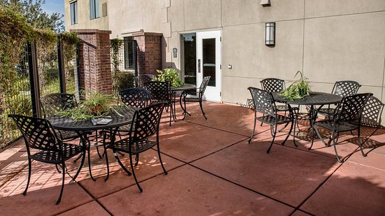 Holiday Inn Express & Suites Lincoln-Roseville Area: Property amenity