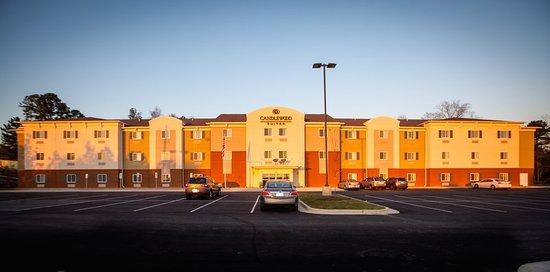 Auburn, AL: Exterior