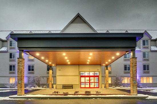 Holiday Inn Express & Suites Lincoln East - White Mountains : Exterior