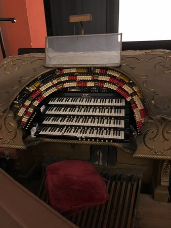 Catalina Island Casino : Organ only 4 like this in the world