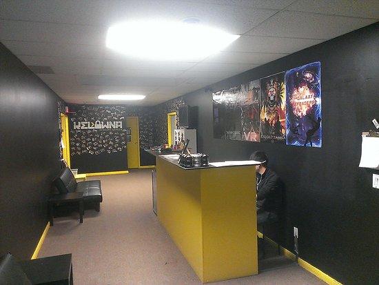 A Mobile Story Virtual Escape Room