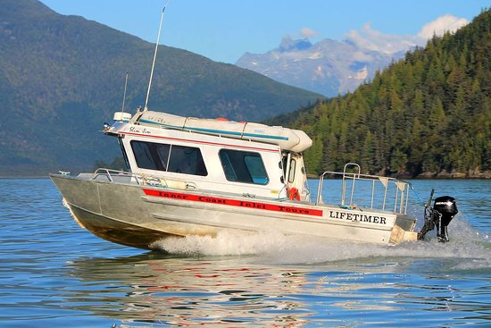 Bella Coola, Canada: Our 27ft tour boat