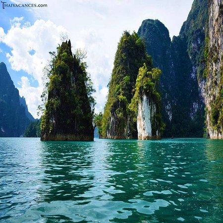 จังหวัดสุราษฎร์ธานี, ไทย: Thaivacances : Krabi , la province de Surat Thani : le lac Ratchaprapa.