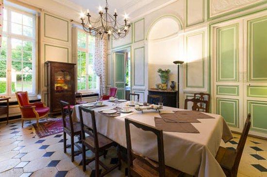 Bures-sur-Yvette, Fransa: Salle à manger