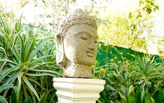McGregor, جنوب أفريقيا: Statue in the garden