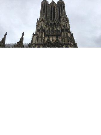 Cathedrale Notre-Dame de Reims: De côté