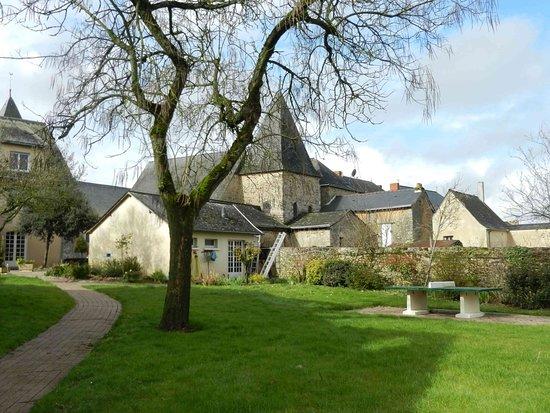 Saulges, Francia: Dans le parc de l'hôtel