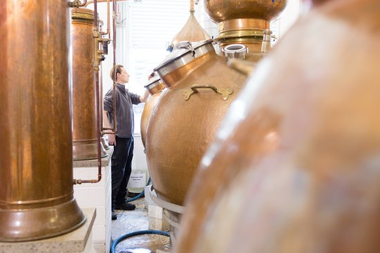 Сент-Эндрюс, UK: See, first-hand, the first stills to operate in St Andrews for centuries