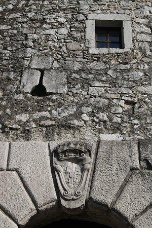 Grad Štanjel : accesso al borgo - fregio
