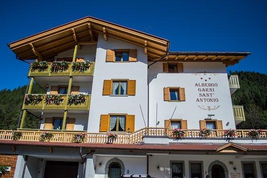 Sant'Antonio di Mavignola, Italy: Facciata esterna Hotel