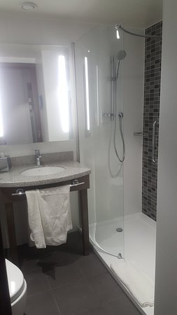 Westhill, UK: Very clean and modern with comfortable rooms. I liked the toiletries provided (hairdryer isn't t