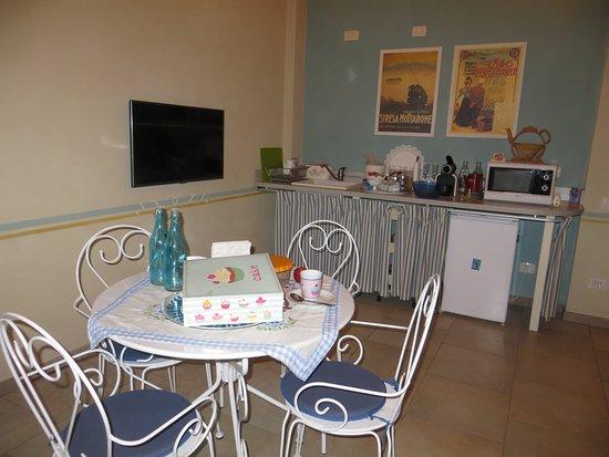 Gattico, Italy: la zona colazione azzurra