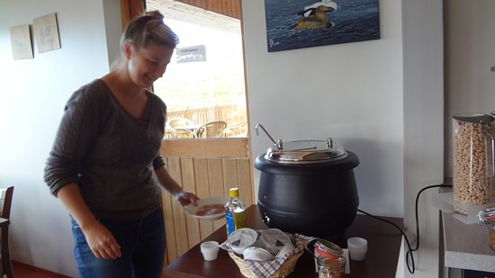 Patreksfjorour, Исландия: The porridge Pot and our guide, Karolina.