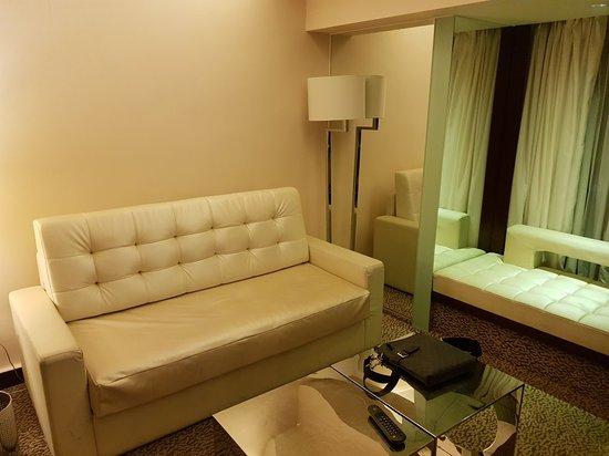 Regal Kowloon Hotel: 20180308_195456_large.jpg