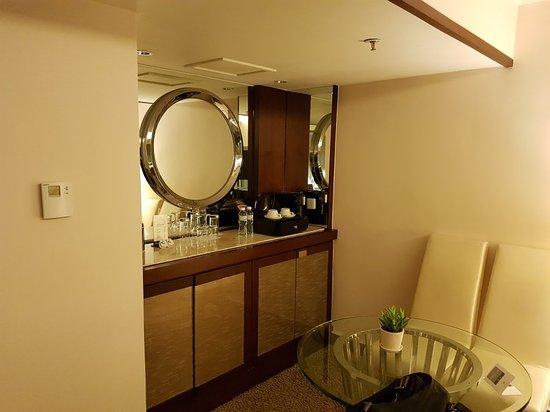 Regal Kowloon Hotel: 20180308_195459_large.jpg