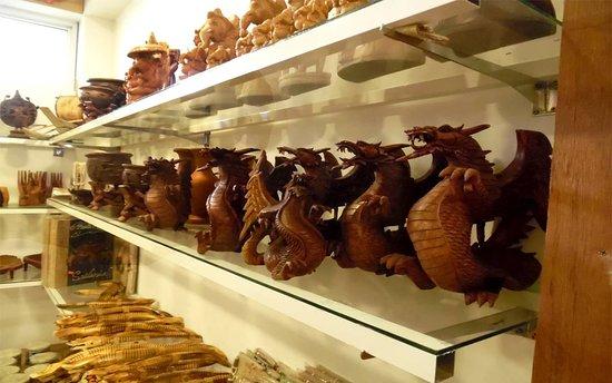 Sandaruwan Handicraft & Gift Store