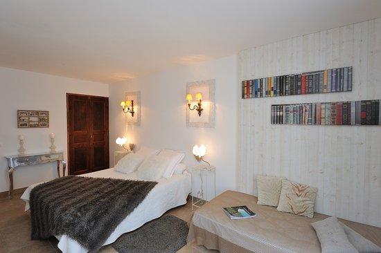 chambres d 39 hotes a manichetta b b bonifacio france voir les tarifs 72 avis et 56 photos. Black Bedroom Furniture Sets. Home Design Ideas