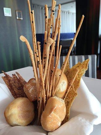 Radisson Hotel Decapolis Miraflores: Bread!