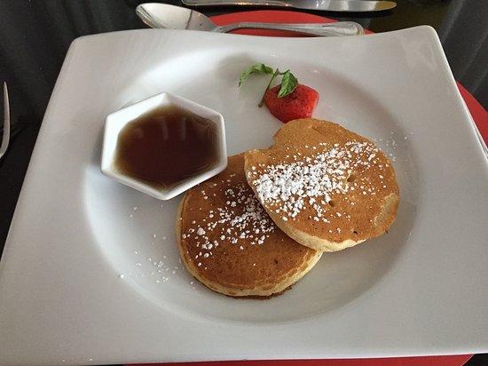 Radisson Hotel Decapolis Miraflores: Pancakes