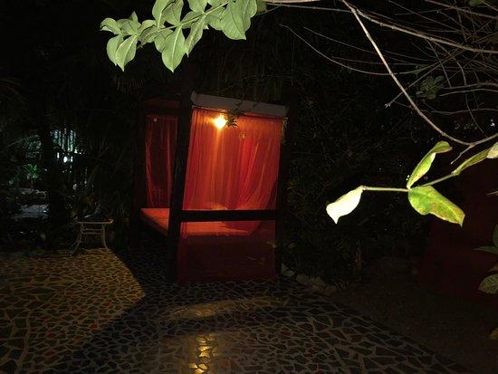 Maskall, Belize: comfy cabanas