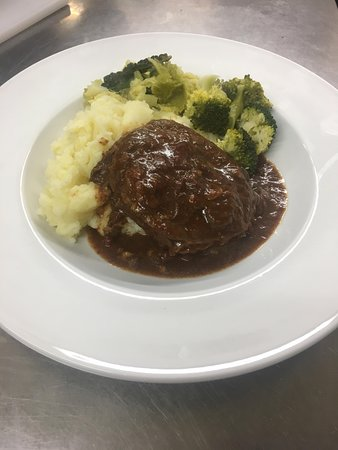 Kingswear, UK: Hearty braised beef to warm you in the winter