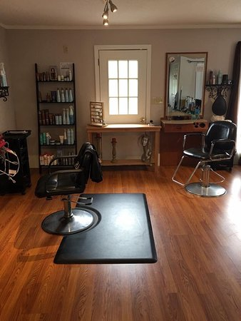 Brandon, VT: Salon