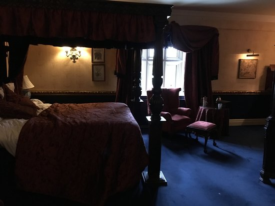 Coombe Abbey Hotel: Feature room number 209