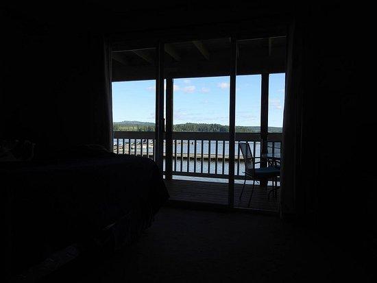 Silverlake, WA: Silver Lake Resort - image taken from inside the room
