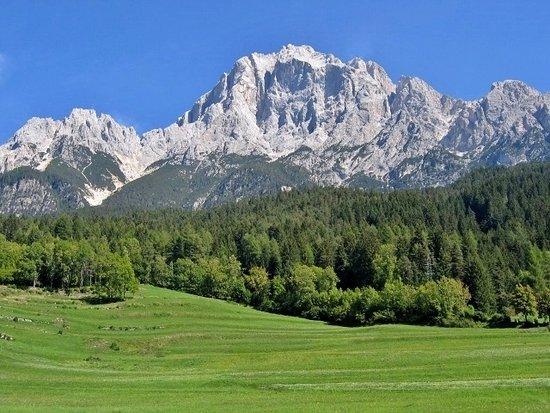 Cortina d'Ampezzo, Italy: Gruppo del Sorapiss con Croda Marcora