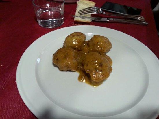 Viniegra de Abajo, Spania: Albóndigas con salsa de naranja.