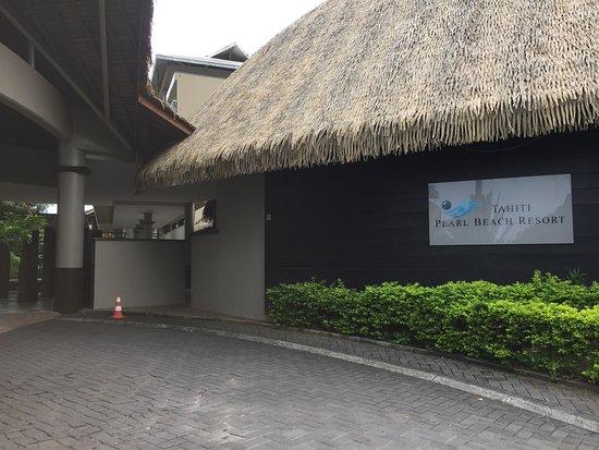Арю, Французская Полинезия: Front of Hotel