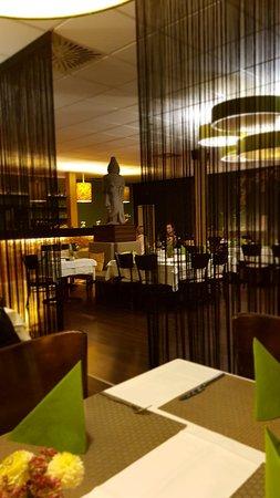 sinam restaurant b blingen restaurant bewertungen telefonnummer fotos tripadvisor. Black Bedroom Furniture Sets. Home Design Ideas
