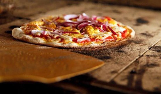 Barn Owl: Mouthwatering hand stretched pizzas