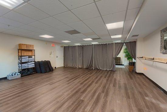 Merrimack, NH : Yoga Studio