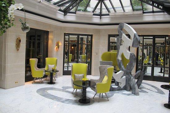 Hotel Le Burgundy: Lobby