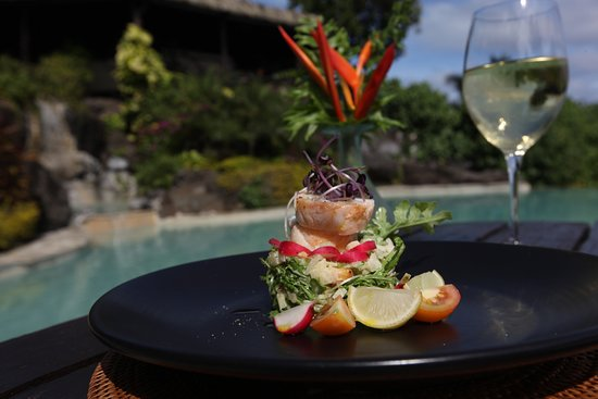 Where to Eat in Aitutaki: The Best Restaurants and Bars