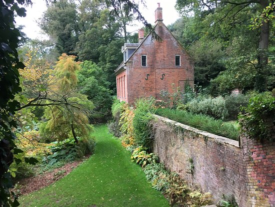 Upton House: The Gardens