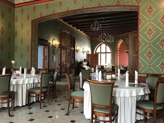 Kedzierzyn Kozle, Polen: neogotyckie wnętrze restauracji