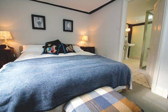 Wadhurst, UK: Oak Room with ensuite shower room