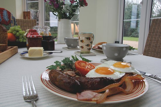 Wadhurst, UK: Breakfast in our Garden Room