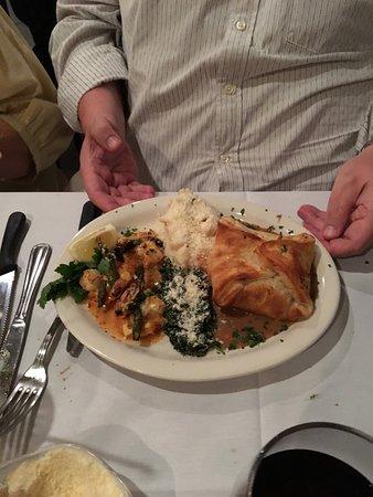 Ariani Restaurant & Lounge: Single Wellington with Shrimp