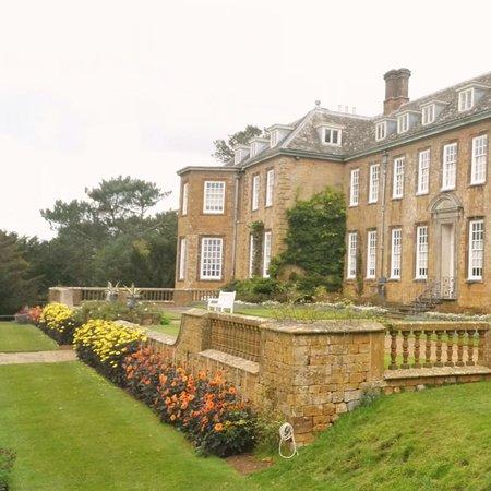 Upton House: photo0.jpg