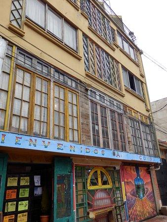 El Alto, Bolivia: La fachada del Snack
