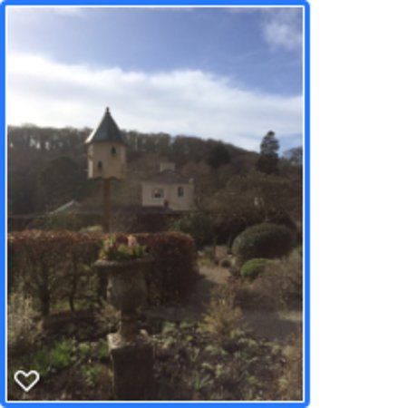 Amroth, UK: Looking toward house from walled garden