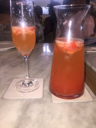 Craft Gourmet By Lou Baker: Strawberry mimosa