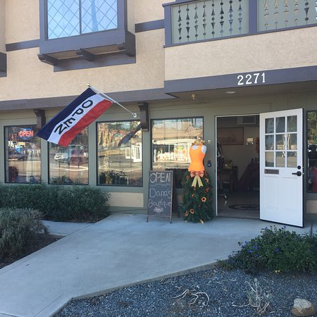 Alpine, CA: Dana's Boutique