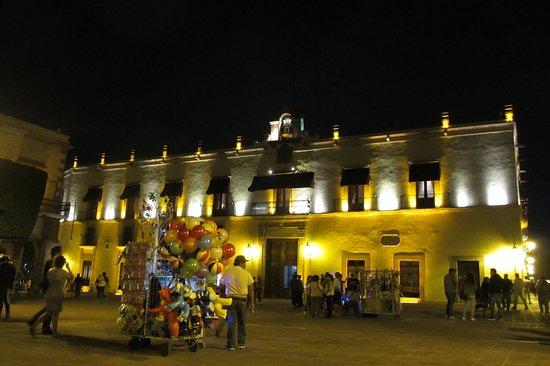 Plaza de Armas: Romantic setting