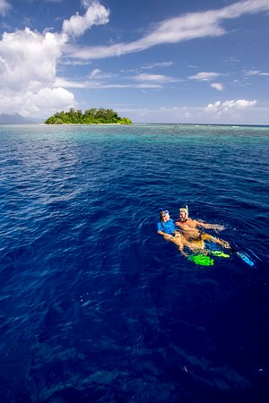 Port Moresby, Papua New Guinea: Snorkelling off East New Britain